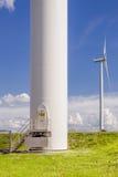 för lantgårdkälla för alternativ energi wind för turbin Royaltyfria Bilder