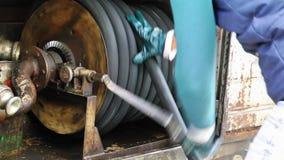 För lastbilbränsle för Grunge stor maskin för pump lager videofilmer