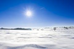 för liggandeberg för bakgrund tjeckisk högst vinter för snezka Royaltyfria Foton