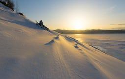 för ligganderussia för 33c januari ural vinter temperatur royaltyfria bilder