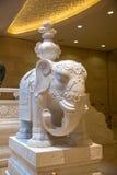 För Lingshan för sceniskt område för Lingshan Buddhaberg Myanmar för slott Vaticanen vit elefant för vit marmor Royaltyfria Bilder