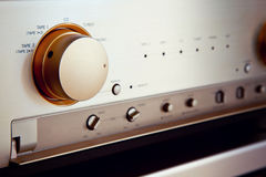 För ljudsignalförstärkare för tappning stereo- strömbrytare för knopp för väljare för källa Royaltyfria Bilder