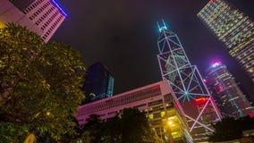 För ljusa porslin för schackningsperiod för tid för panorama 4k Hong Kong för natt byggnader i stadens centrum lager videofilmer