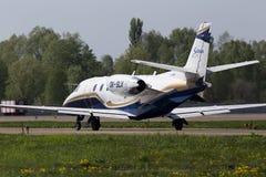 För luftCessna 560XL för OK-SLX Silesia spring för flygplan för affär för Excel stämning på landningsbanan Fotografering för Bildbyråer