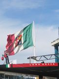 för luna för flagga italiensk rossa prada Royaltyfri Bild