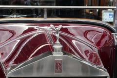 För lyxig främre galler Rolls Royce 1928 för tappning bil 20HP royaltyfri foto