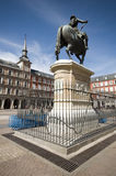 för madrid för konung iii för philips borgmästare spain plaza staty royaltyfri fotografi