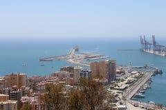 för malaga bostadsspain för flyg- andalusia område white sikt Flyg- sikt av port och staden Arkivbild