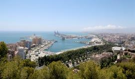 för malaga bostadsspain för flyg- andalusia område white sikt Flyg- sikt av port och staden Arkivfoton