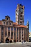 För marknadsfyrkant för gammal stad huvudsaklig marknad och stadshus i Torun, Polen Arkivbilder