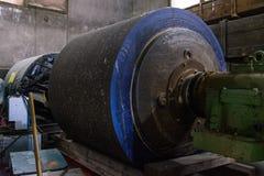 För maskineribälte för Wood Pulper industriell malande produktion för sten Arkivfoton