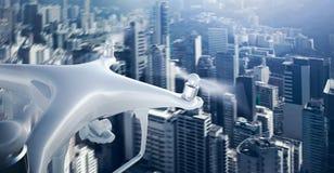 För Matte Generic Design Remote Control för Closeupfoto vitt surr luft med himmel för handlingkameraflyg under stad modernt Arkivfoto