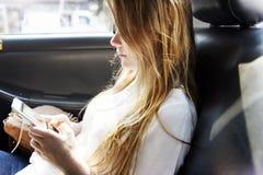För medelfritid för bil tillfälligt begrepp för forskning för hobby royaltyfri fotografi