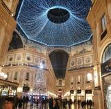 För milano för di för Galleriavittorioemanuele duomo tid för vinter för träd jul royaltyfria bilder