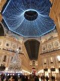 För milano för di för Galleriavittorioemanuele duomo tid för vinter för träd jul royaltyfri foto