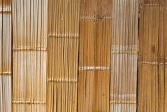 För modellvägg för brun liten natur Wood bakgrund Royaltyfri Foto