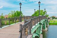 för moscow för bro grön tsaritsino park Royaltyfri Foto