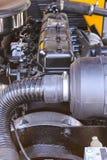 för motorfokusen för bilen gear den täta framdelen upp Royaltyfria Bilder