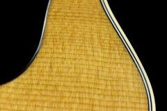 För musikfall för akustisk gitarr formar jazz för fingerstyle för musiker för gitarrist för musik för lek för solid vibration för Arkivbild