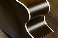 För musikfall för akustisk gitarr formar jazz för fingerstyle för musiker för gitarrist för musik för lek för solid vibration för Arkivbilder