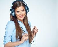 för musikkvinna för lycklig hörlurar lyssnande barn Royaltyfria Foton