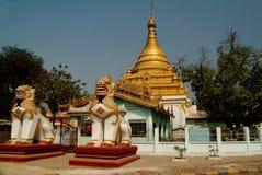 för myanmar för bygd guld- tempel stupa Royaltyfria Foton