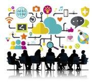 För nätverkandeanslutning för socialt massmedia socialt begrepp för lagring för data Arkivbild