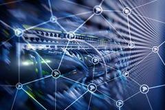 För nätverksabstrakt begrepp för Wi fi struktur på modern serverrumbakgrund arkivbild