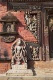 för nepal för carvingschangu narayan tempel sten Arkivfoton