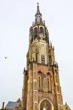 För Nieuwe Kerk för domkyrka för klocka för Klocka torn ny Nederländerna delftfajans Arkivfoton