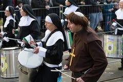 För nunnor glädje och gyckel också Arkivfoto
