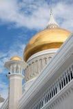 för omar för moské för ali kupol guld- sultan saifuddin Arkivbilder