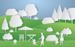 För papperssnitt för sommar campa stil Begrepp med kullar, träd, folk på en picknick också vektor för coreldrawillustration royaltyfri illustrationer