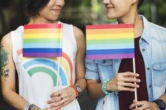 För parögonblick för LGBT lesbiskt begrepp för lycka fotografering för bildbyråer