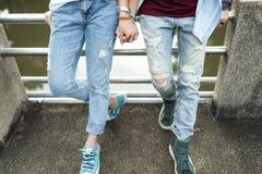 För parögonblick för LGBT lesbiskt begrepp för lycka arkivbild