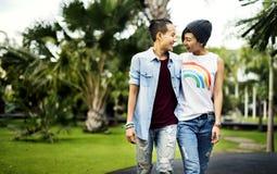 För parögonblick för LGBT lesbiskt begrepp för lycka royaltyfri foto