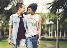 För parögonblick för LGBT lesbiskt begrepp för lycka royaltyfri bild