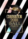 För partiinbjudan för avläggande av examen 2018 kort med hatten, den guld- ramen och randig bakgrund royaltyfri illustrationer