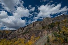 För passerandeTelluride för den svarta björnen den Colorado nedgången färgar Autumn Landscape Royaltyfria Foton