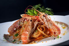för pastaräka för fetuccini italienska räkor Fotografering för Bildbyråer