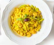 för pastaräka för fetuccini italienska räkor Arkivbild
