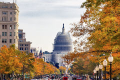 För Pennsylvania för USA-Kapitoliumkonstruktion Autumn Washington aveny DC Arkivbild
