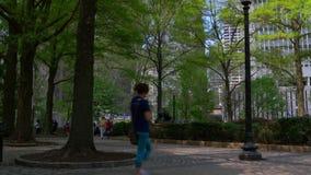 För philadelphia för sommardag fyrkant 4k pennsylvania USA för rittenhouse stad stock video