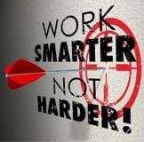 För pilmål för arbete effektiv effektiv Pr för mer smart inte mer hård mål Royaltyfria Bilder