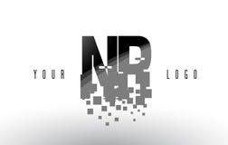 För PIXELbokstav för NR N R logo med Digital splittrade svarta fyrkanter Arkivbild