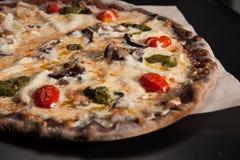 för pizzaskaldjur för mat italiensk tabell Royaltyfria Bilder