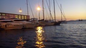 för portsky för bakgrund orange solnedgång Arkivfoto