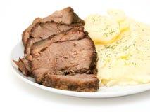 för potatisstek för nötkött utgångspunkt mosade skivor Arkivbild