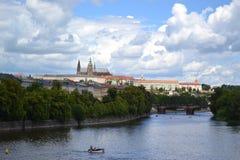 För PraÅ för Prague slott hrad för ½ för skà ¾ från floden Fotografering för Bildbyråer