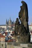 för prague för slottEuropa gammal foto vltava för lopp flod arkivbild